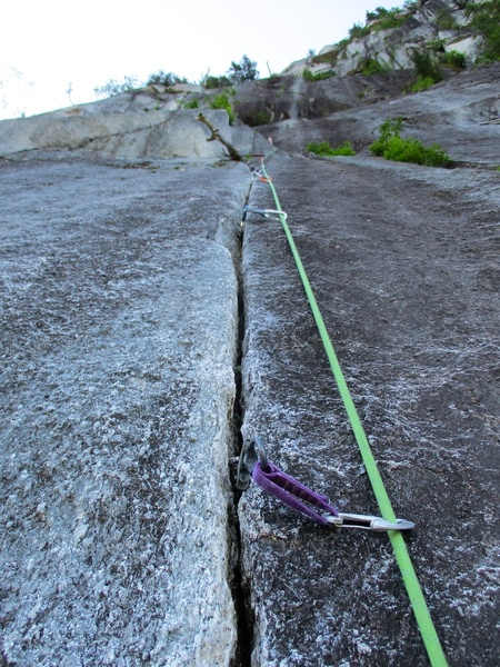 Fingercrack on the second half of Pitch 3.