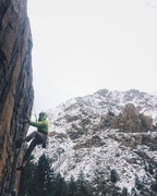 Rock Climbing Photo: Qinn heading up Saline Lock on a chilly May aftern...