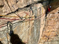 Rock Climbing Photo: Starting the traverse on the first pitch of Alphon...