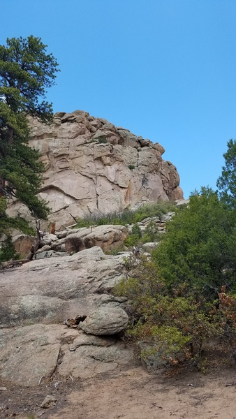 Rock Climbing Photo: Eagle's Nest (5.10-) Obvious finger crack to the r...