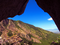Rock Climbing Photo: Looking out from the start of Death Flake.