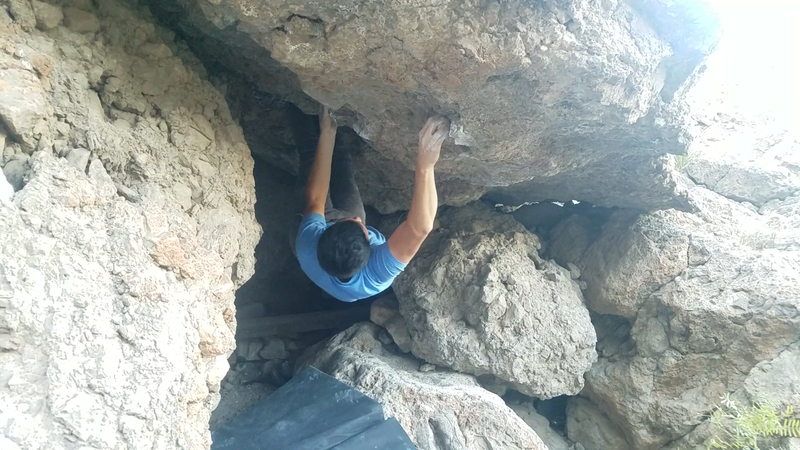 Rock Climbing Photo: Pulling on holds