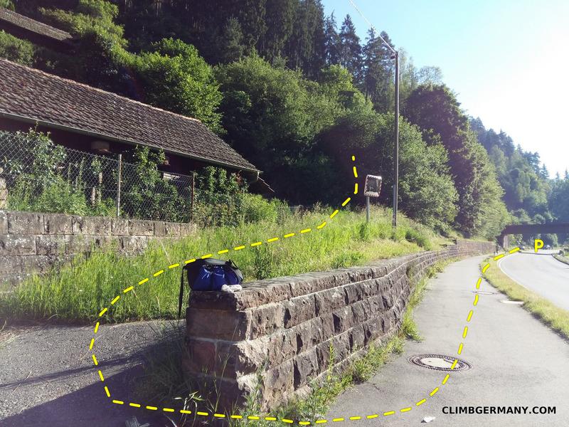 Rock Climbing Photo: Head uphill through the grass as the topo indicate...