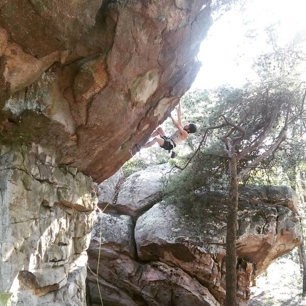 Joel expertly navigates the overhang of Too Pumped Chump.