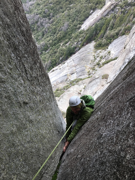 Rock Climbing Photo: splitter before the roof