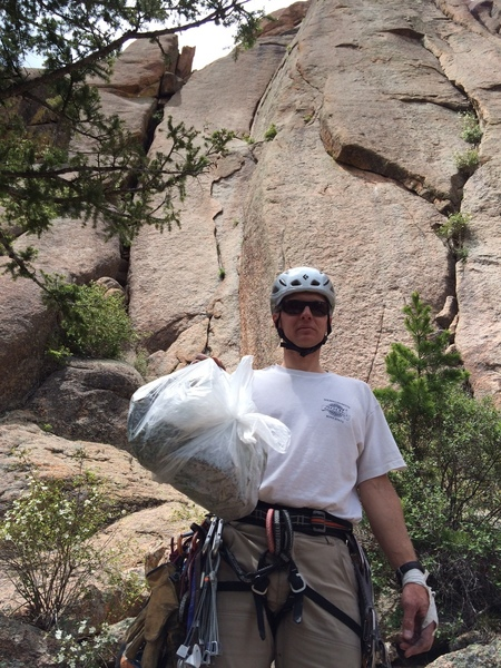 As of 06/16/2017, Jonathan Stickel removed all poison ivy over the belay ledge on top of the 1st pitch. It should be OK for the time being at least.