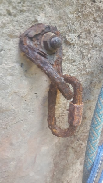 Bolt anchor.