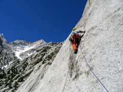 Rock Climbing Photo: Myles Moser leading P5, Papillon. Lone Pine Peak i...