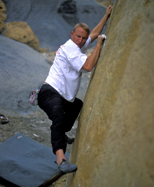 There are literally 1000's of low level traverses at the Big Waters. Climber is Matt Penrod