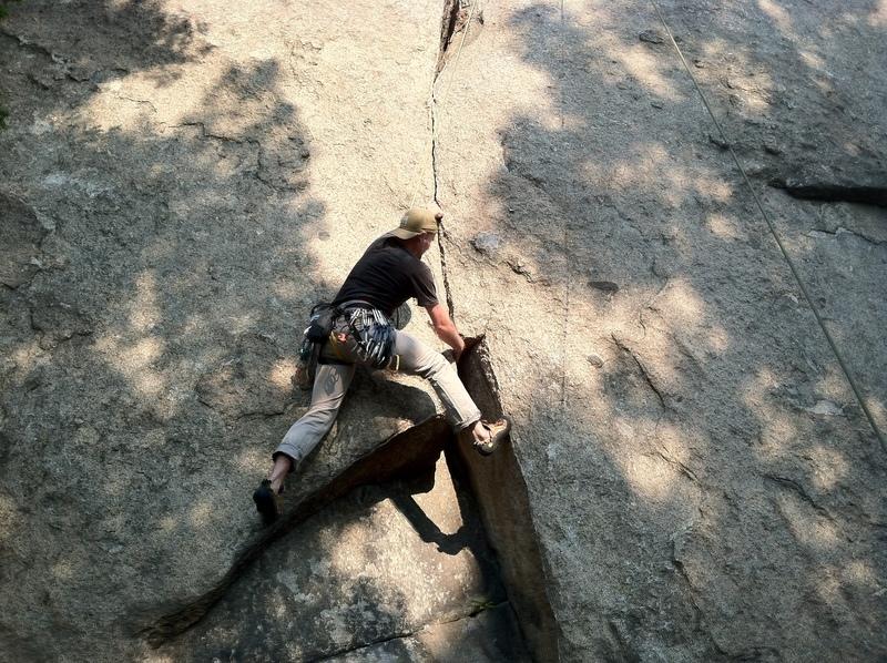 Rock Climbing Photo: Crux of S-Crack