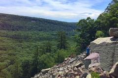 Rock Climbing Photo: Holding on!