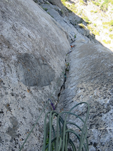 Top of Pitch 9, 11a/C1. Excellent climbing on this pitch.