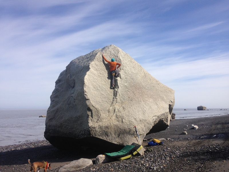 Fun almost highball. Funny to see there are top rope anchors on top haha. Super chill line V0 but good fun