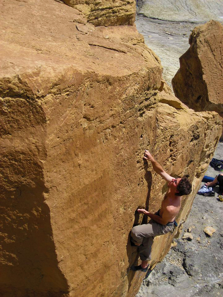 Rock Climbing Photo: Asharp V2, Climber Dave Spies - Photographer Kopav...