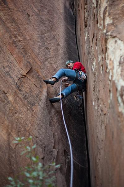 Andy Reger climbs Little Brown. Photo: Matt Kuehl