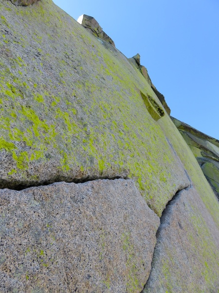 Rock Climbing Photo: The hand traverse on Pitch 2.