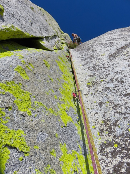 Pitch 3, right variation near the top. The standard route climbs to the left of this.