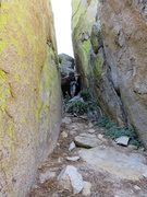 Rock Climbing Photo: There is a chockstone blocking the head of the gul...