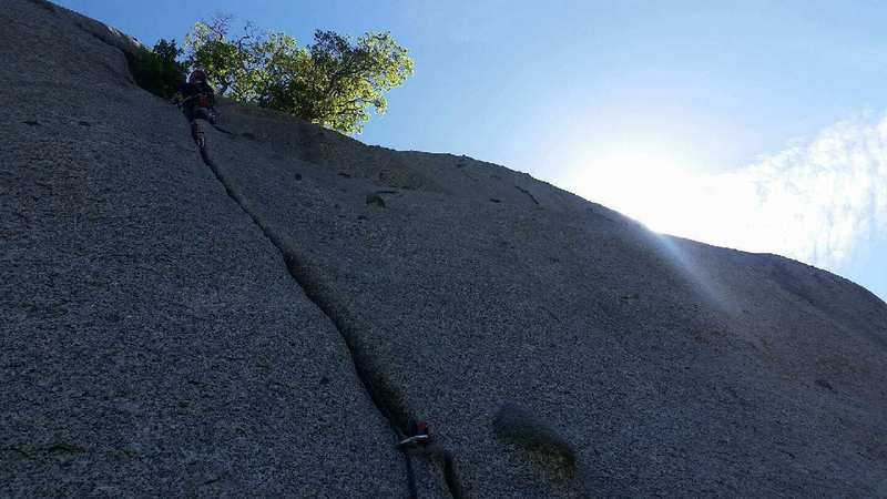 Rock Climbing Photo: Bushwack Crack 5.8