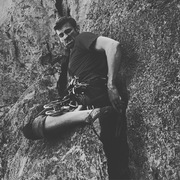 Rock Climbing Photo: Lovin some wide crack! Takes a 6 beautifully. Fun!...