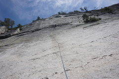 Rock Climbing Photo: Pitch 1 dirty mossy traverse to shallow crack. You...