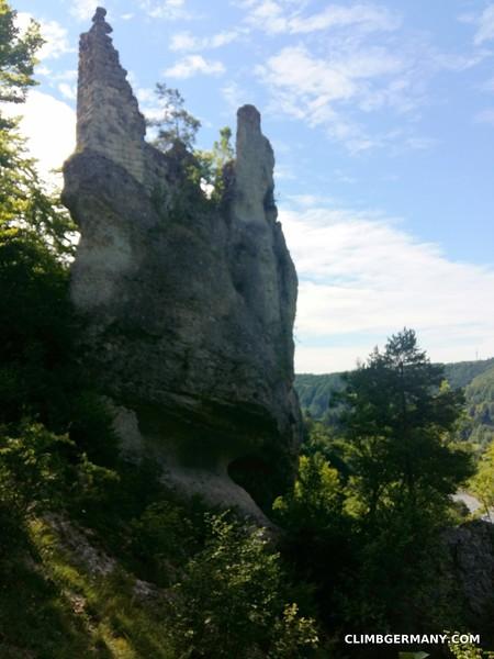 Berg Gutenstein ruins about halfway between Aussichtsfels and Dreiecksfels.