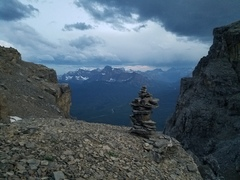 Rock Climbing Photo: The cairn by the descent gully.