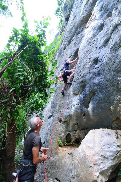 Rock Climbing Photo: Leading Ai Yai Yai (red rope)
