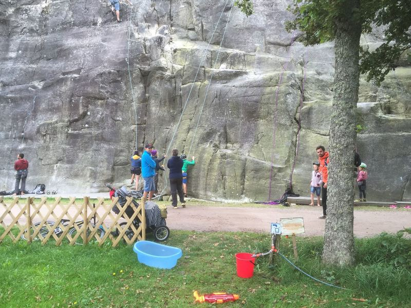Rock Climbing Photo: The summertime crowds.