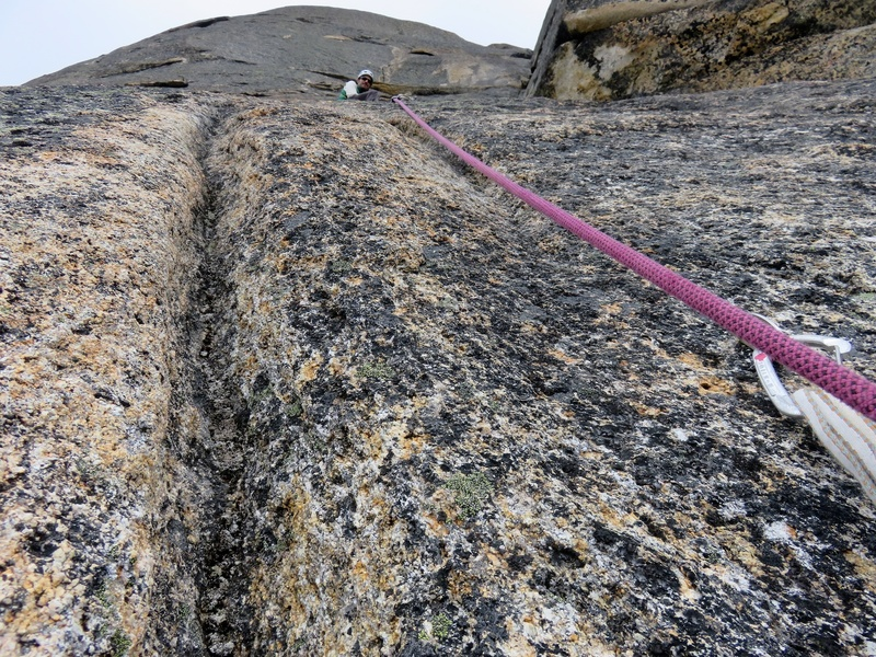 Rock Climbing Photo: Flaring cracks on the upper half of the Remsberg V...