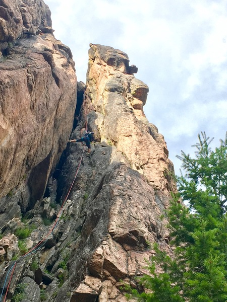 Is this the P2 chimney? It looks different from the one in the other photo. We rapped P1 to the ground and I saw this and went up it. It was dirty and a lot of fun but I have no idea if it is technically the route?