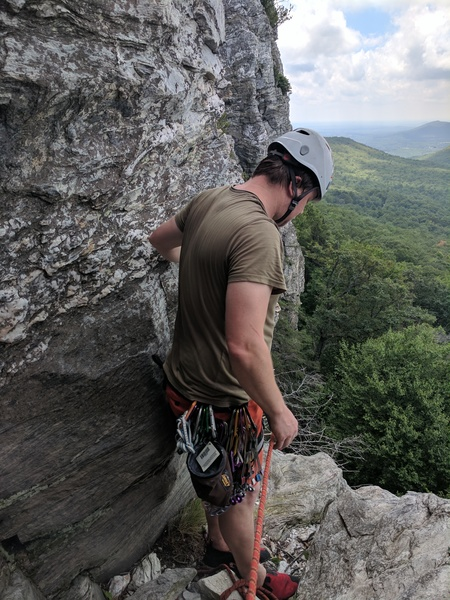 Rock Climbing Photo: Optional belay ledge for 1st pitch.