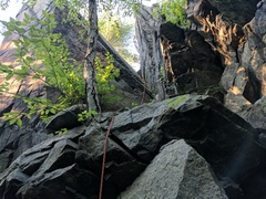 Rock Climbing Photo: The V-Chimney.  A good first trad lead, but watch ...