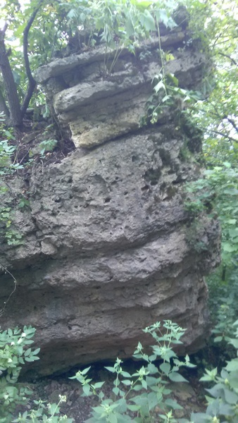 The high point of the Pelo del Perro boulder.