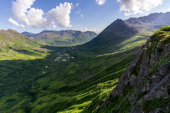 Rock Climbing Photo: Nice views down valley as Tommy nears the top of S...