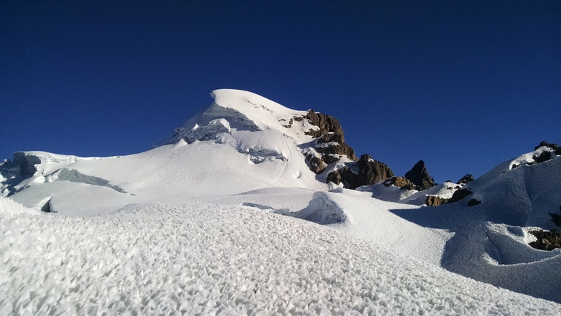Glacier traverse before final ramp to summit