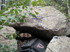 Rock Climbing Photo: Boulder 30 ft below trail
