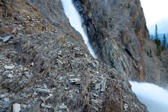 Rock Climbing Photo: Pitch 9 climbs through a band of shale. There is n...