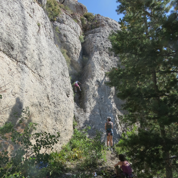 """6 year old Ella Smith top-roping """"Sidewinder"""", 5.4 at The Cowboy Poetry Wall, Wild Iris, Wy"""