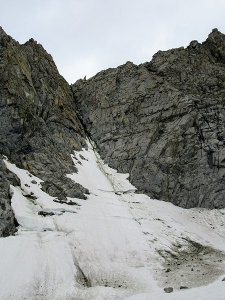 The formerly classic and melted out Moynier Couloir (class 5 ice & rock), another victim of global warming.