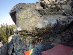 Rock Climbing Photo: Peter on the starting holds of Q.  Yellow: Q Or...