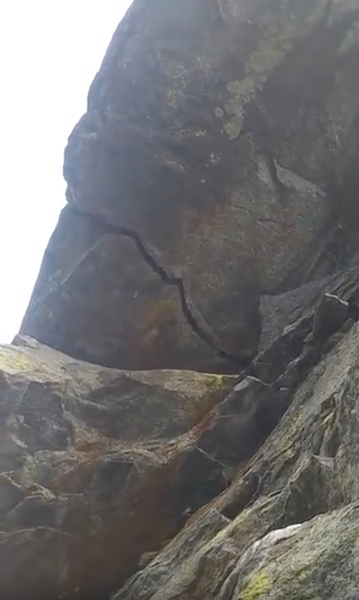 Roof crack, pitch 2