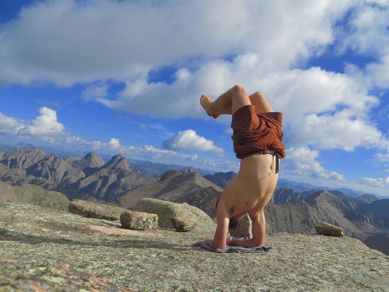 Rock Climbing Photo: Huge, flat, granite slab summit of Jagged Mountain...