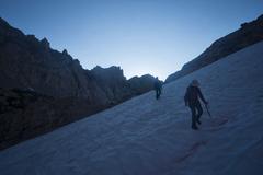Rock Climbing Photo: Early morning approach to Dragon Peak.