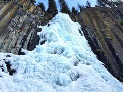 Rock Climbing Photo: My wife Emilee climbing Palisade Falls WI3 in Hyal...
