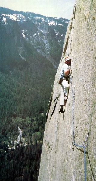 Ray Jardine and his eponymous traverse above Dolt Tower (5.11c) while attempting to free the Nose in 1981, Yosemite Valley