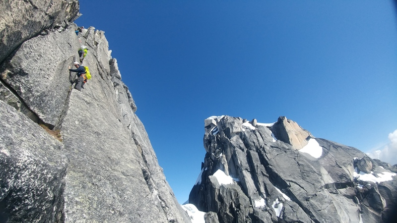 The stellar crack system pitch below the summit