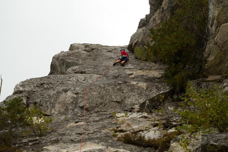 Climber on last 3rd of route<br> <br> Grimpeur sur le dernier tier de la voie