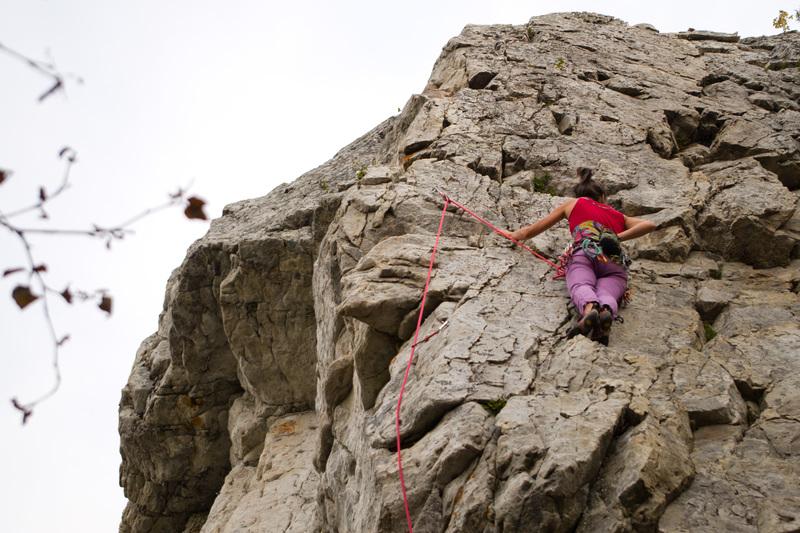 Climber on the route<br> <br> Grimpeuse sur la voie