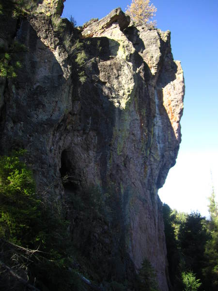 Profile view of Petrified from Steins Pillar.  Note the white streak on the second pitch.